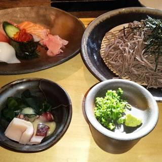 寿司盛りとそばのセット