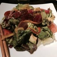 アボガドとマグロのサラダ 山葵醤油ドレッシング