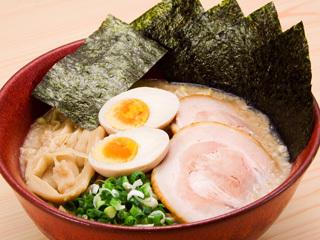 くさび赤丸豚骨醤油麺