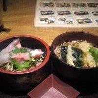 ちらし寿司定食 (天ぷらうどん・そば付)