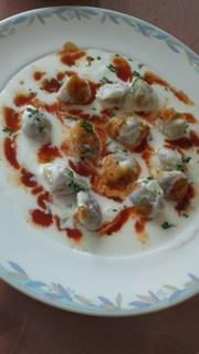 マントゥ トルコ風ラビオリのヨーグルトトマトソース