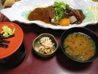 鯖の味噌煮込み定食