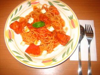 完熟トマトとモッツァレラチーズのトマトソース