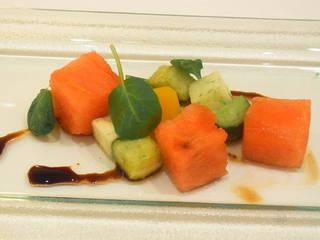 フレッシュ夏野菜とスイカのマリネ バルサミコソース