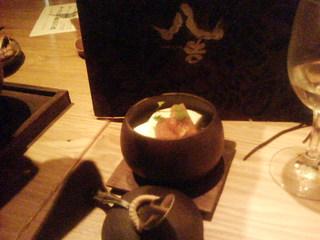 杏ソース添えチーズケーキ