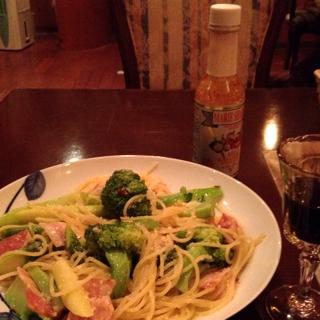 野菜とベーコンのパスタ