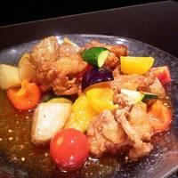 彩り野菜と地鶏のスウィートチリ炒め