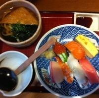 にぎり寿司と茶碗むしセット