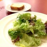 ランチのサラダ&フォカッチャ