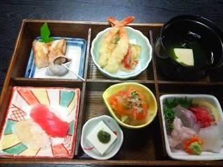ランチ+サバの醤油カツ丼