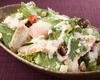炭焼きチキンと半熟卵のシーザーサラダ