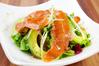 スモークサーモンとアボガドのサラダ