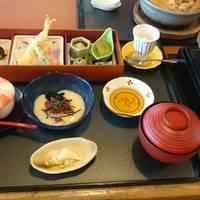 和食レストラン 鈴のれん畑江通店