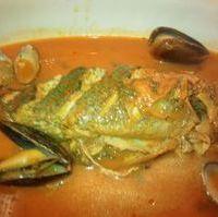 新鮮な魚のイタリアン煮込み