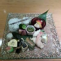 魚棚の美しい昼膳
