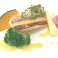 鮮魚のポワレ サフラン風味