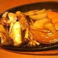 知床鶏と野菜の鉄板焼き