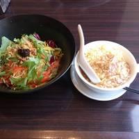 冷し担々麺 フカヒレチャーハン
