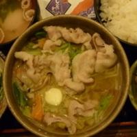 豚ばら肉と野菜の塩バター煮定食