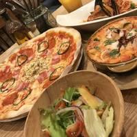 ミックスピザ、魚介のペスカトーレ、シーフードドリア