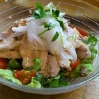 鶏と大根のごまドレッシングサラダ