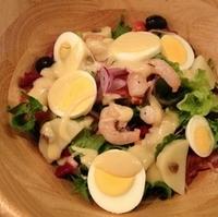 ぷりぷり海老のニース風サラダ