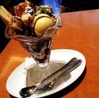チョコとバナナのミルフィーユパフェ
