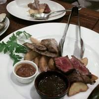 豪華!前菜7種盛りと牛ハラミと四元豚のWステーキを楽しむワイン倶楽部満喫コース