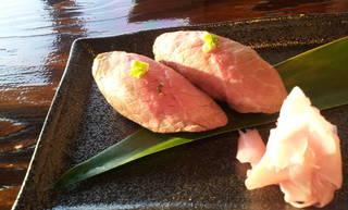 県産黒毛和牛ローストビーフの 握り寿司