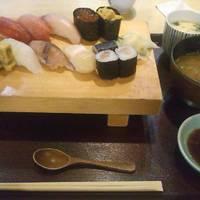寿司ランチ 海鮮にぎり(梅)