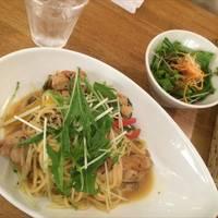 彩り野菜と鶏肉の醤油バター和パスタ