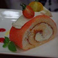 トマトのロールケーキ