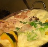地鶏とつくねの豆乳鍋