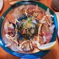 海ぶどうと本日の魚のカルパッチョ