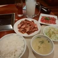 東山ランチ&牛タン&カルピスジョッキ注文
