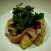 炙りベーコンとたっぷり野菜のジェノベーゼ