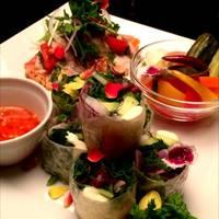前菜3種盛り合わせ  2種鮮魚のカルパッチョエスニック風・アジアン生春巻き・タイハーブ自家製ピクルス