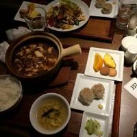 ホリデーランチ(麻婆豆腐ランチ、回鍋肉ランチ)