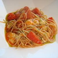 トマトとモッツァレラチーズのスパゲティ