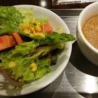 ランチのサラダとスープ