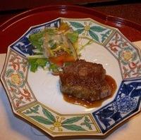 懐石コースの「牛ヒレ肉野菜ソース」と「土瓶蒸し」