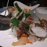 地魚鮮魚の盛り合わせ
