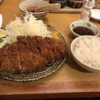 三元豚ロースかつ定食
