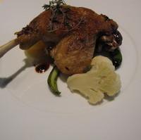 シャラン産鴨のモモ肉のコンフィ