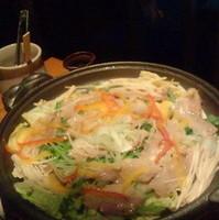 美明豚と特別栽培野菜の陶板蒸し