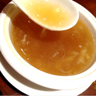 燕の巣蟹卵スープ