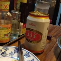 ベトナム料理の中でも有名な、生ビールのバーバーバーの写真