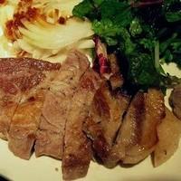 塩熟豚のやわらか肩ロースステーキ
