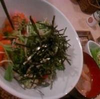 1 炙りサーモンとイクラの アボカド丼