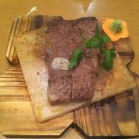黒毛和牛岩塩プレートステーキ